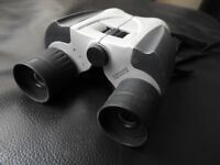High Power Zoom Binoculars 8 - 20 x 25mm, complete with soft pouch case
