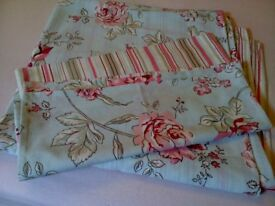 Pretty Double Duvet Cover and 2 Matching Pillowcases