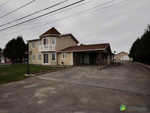 365 000$ - Bi-génération à vendre à St-Honore-De-Chicoutimi Saguenay Saguenay-Lac-Saint-Jean image 1
