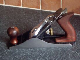 DRAPER NO4 HAND PLANE IN VERY GOOD CLEAN CONDITION .