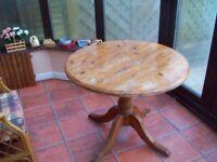 pine dinner table round