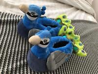 Novelty Peacock Slippers L