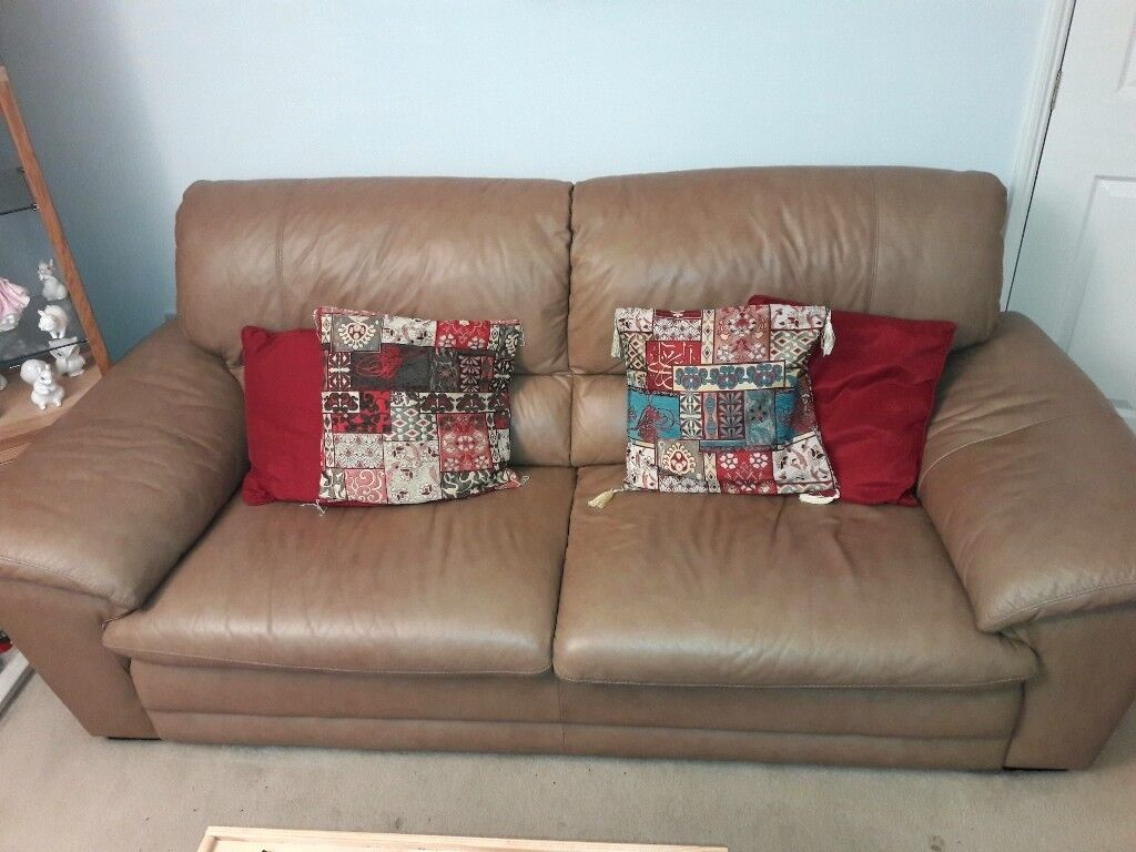 Large Leather Sofa And 2 Armchairs