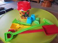 Sand toys set