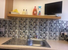 Large 4 Bed House in Wellhouse for 2 Bed House East End