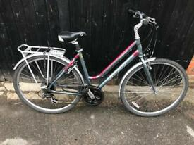 Giant Expression LX Ladies Town Bike. Good Condition. Free Lock, Lights, Delivery
