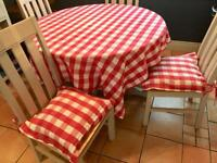 Marks and Spencer cafe style table cloth and 2 seat pads used