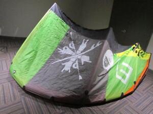 2012 North kiteboarding Evo 12m kite and Control Bar - new price
