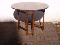 oak gate leg table circa 1925 closed size 340x860 .open size 1040x860. height 770mm.good condition.