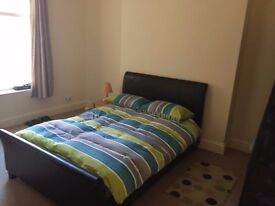Spacious unfurnised double bedroom to rent in the heart of Southsea, all bills and wifi included