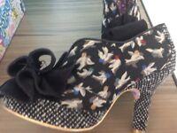 irregular choise shoes size 6