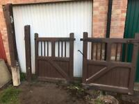 Oak wood driveway garden gates with posts and iron mongery for sale  Milton Keynes, Buckinghamshire