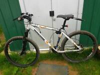 Mongoose tyax mountain bike