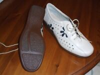 Ladies Hotter Shoes - Size 7