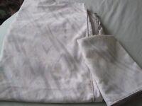 Ashdon & Dean - 2 x single quIlt covers & 1 x pillowcase