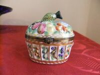 LIMOGES FRUIT BASKET TRINKET / PILL BOX MADE IN FRANCE COMPLETELY HAND PAINTED EXCELLENT CONDITION