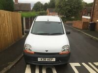 Cheap van Renault kangoo low milage for age