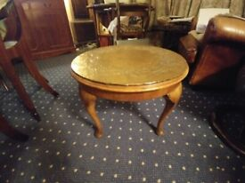 Round occasional table/coffee table
