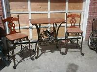 oak dinette table +2 chairs