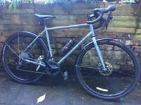 Genesis Croix De Fer 30 (2017) Bike. Size - Large. Hardly used. As good as new.