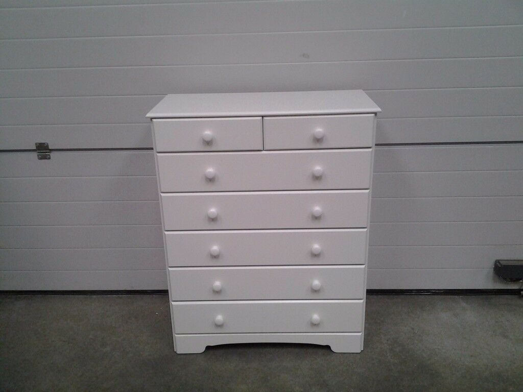 New 'Soft white' Chest drawers 5+2. 1/2 shop price. Can deliver.