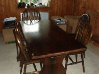 large oak dining table & 5 chairs
