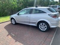 VAUXHALL ASTRA 2009 DESIGN PETROL 3DR FULL YEAR MOT EXCELLENT CONDITION