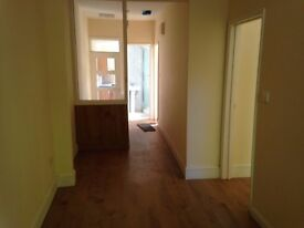 2 BED FIRST FLOOR FLAT FULLY REFURBISHED IN LE4