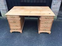 Solid pine desk (delivery available)ok