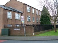 Flat to rent, Lightowler Close, Halifax
