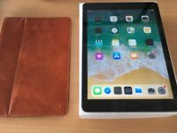 Ipad Air 1st generation Wifi + Cellular Unlocked 16 gb excellent condition with box and charger