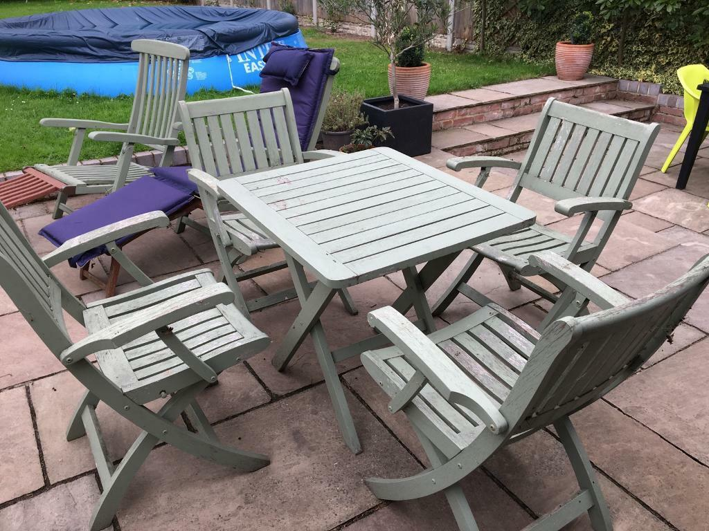 Bargain garden table chairs and sunloungers