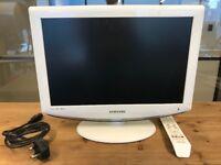 "Samsung TV - HD 19"""