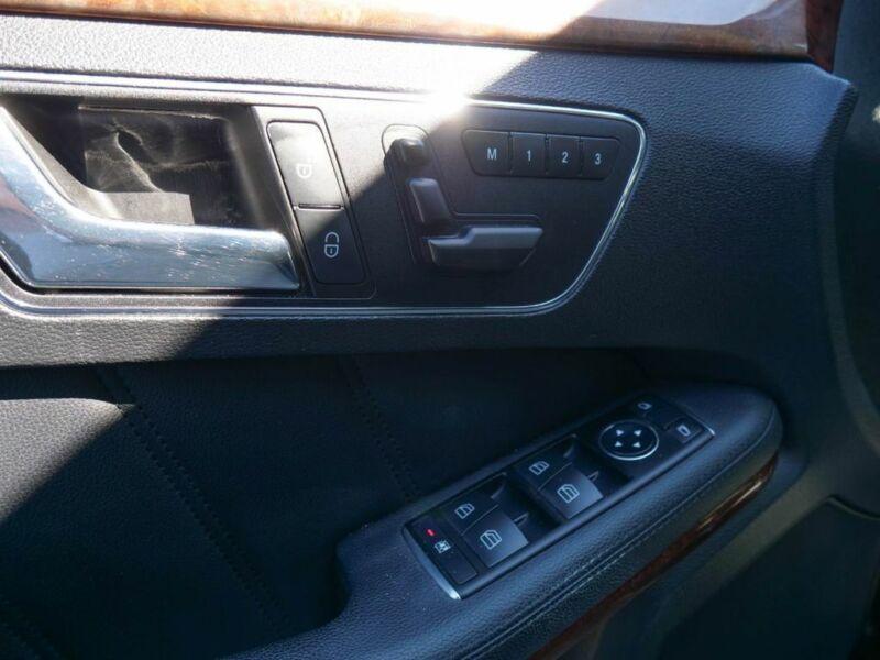 Image 14 Voiture Européenne d'occasion Mercedes-Benz E-Class 2011