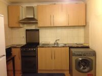 *INC BILLS*-A LARGE STUDIO APARTMENT LOCATED WITHIN EASY ACCESS TO HEATHROW & FELTHAM