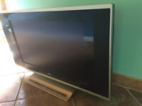 """26"""" Flat screen Analogue TV with Decoder & Remote"""