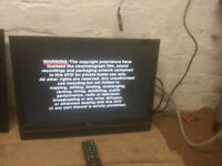 """FOR SALE LG 22"""" HD LCD WIDESCREEN TV WITH FREEVIEW AND REMOTE £25"""