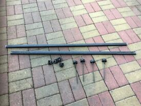 THULE SQUARE 127CM ROOFBARS WITH ENDCAP ADJUSTERS