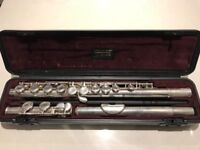 Yamaha flute 211, with stand, great condition