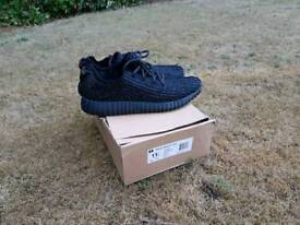 Yeezys v1 pirate black. SIZE11