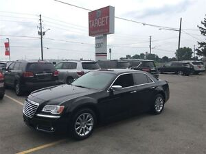 2011 Chrysler 300 Limited, Leather, Navi, Roof and More !!!!