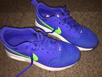 Nike air tavas boys trainers size 4 blue lime green worn once