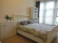 Large Double Room, 2 mins to Streatham Common Station! £530pcm Bills and Cleaner Inc, Available Now!