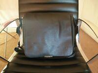 Louis Vuitton Messenger over shouler Bag Black Leather
