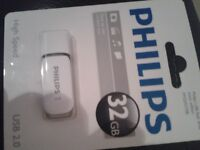 Phillips 32gb usb storage drive.brand new in packaging. Sell or swap for micro sd card.