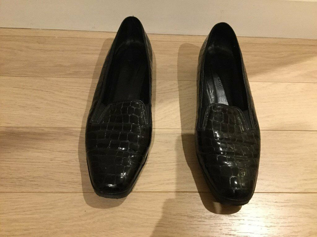 'VAN-DAL' Ladies Black-Shoes (Crocodile-patterned leather), Wide-fit, Good condition, Size 41.