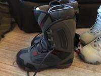 SNOWBOARD BOOTS BARGAIN brand new