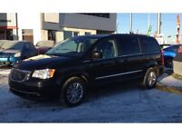 2015 Chrysler Town & Country Touring Leather DVD player