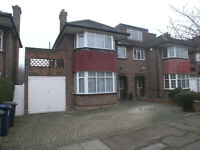 4 bedroom semi-detached house for sale in Hendon