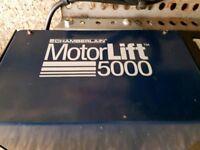 Chamberlain Motorlift 5000 garage door opener